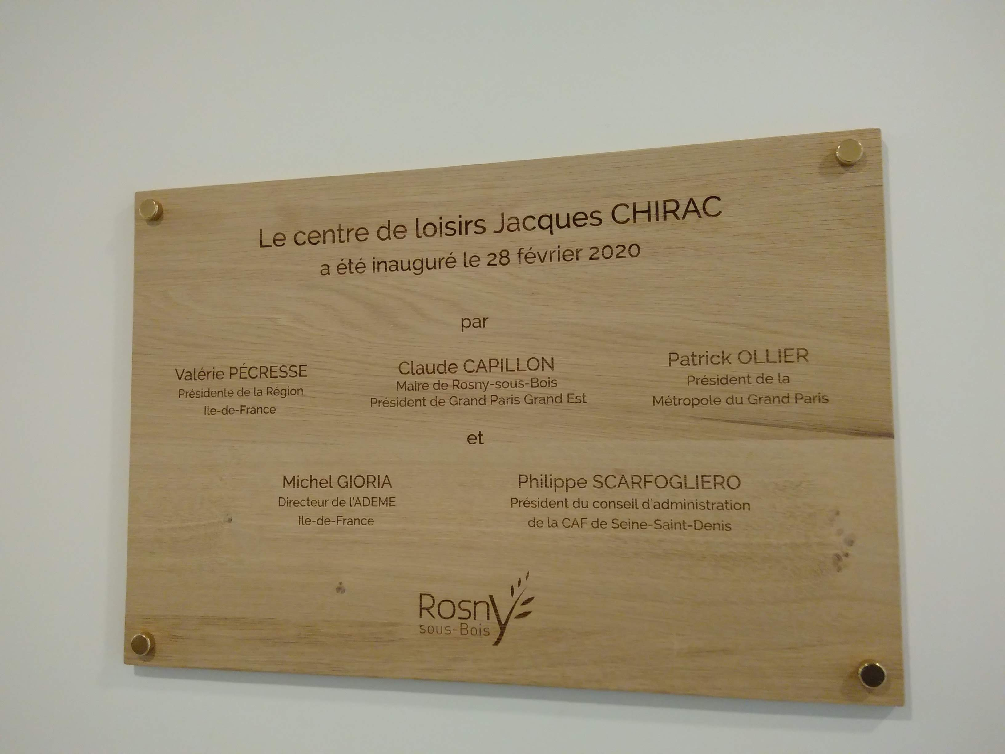 plaque d'inauguration centre jacques chirac